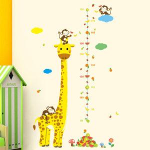 Kinderkamer muursticker Giraffe met groeimeter